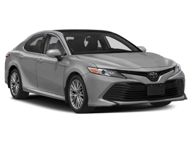 2019 Toyota Camry Pictures Camry XLE Auto photos side front view