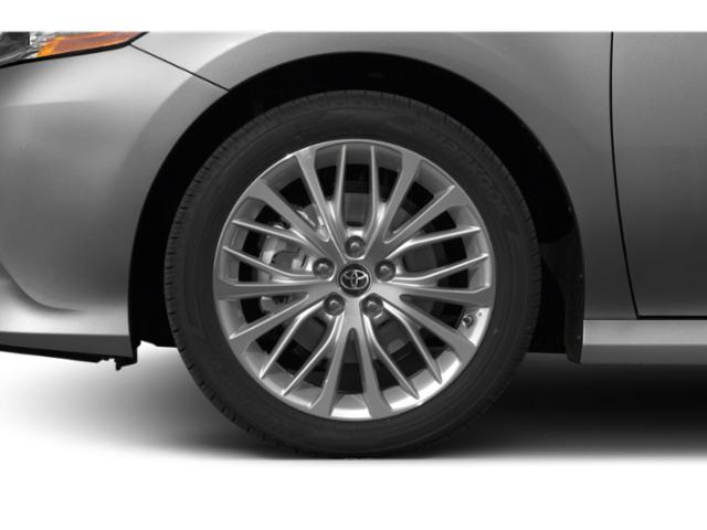 2019 Toyota Camry Pictures Camry Hybrid XLE CVT photos wheel
