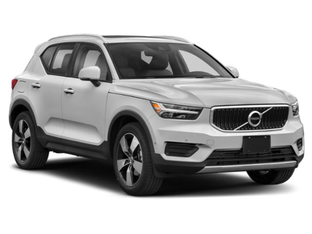 2019 Volvo XC40 Base Price T4 FWD R-Design Pricing side front view