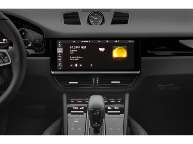 2020 Porsche Cayenne Pictures Cayenne Turbo S E-Hybrid AWD photos stereo system
