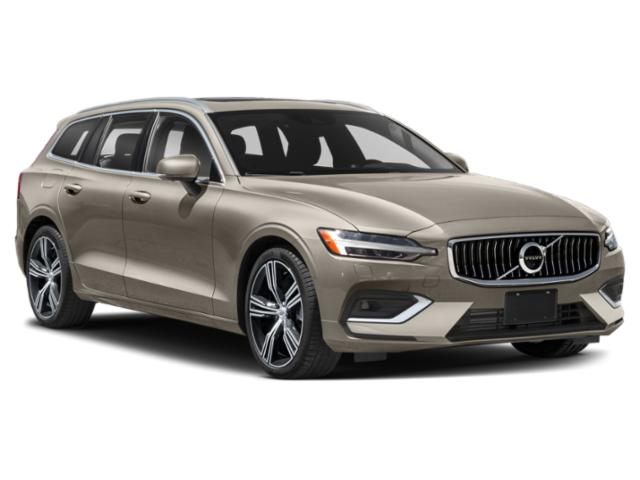 2021 Volvo V60 Pictures V60 T5 FWD Momentum photos side front view