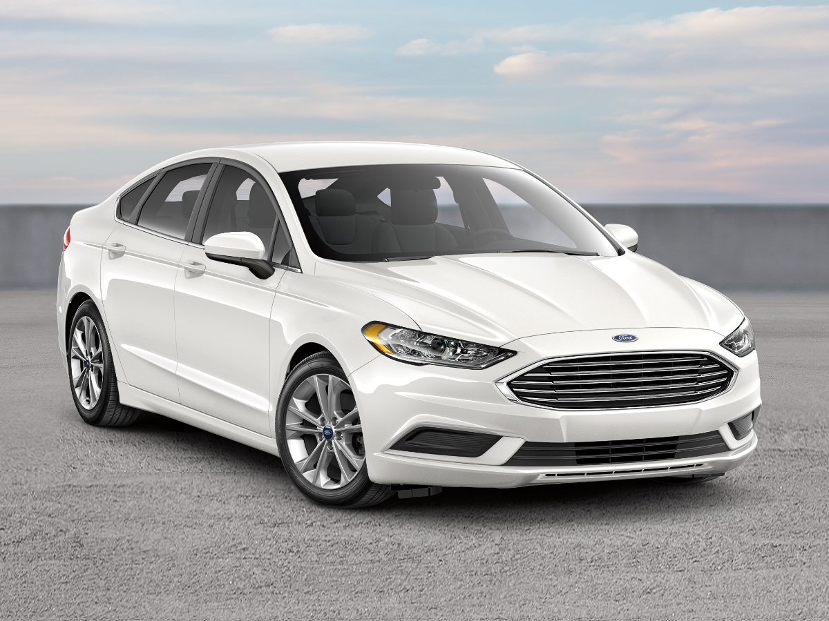2018 Ford Fusion White Front Quarter View