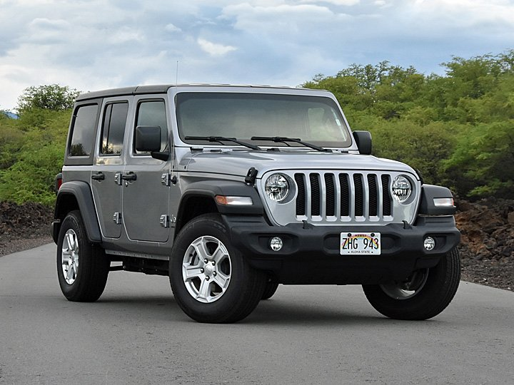 2019 Jeep Wrangler Unlimited Silver Front Quarter