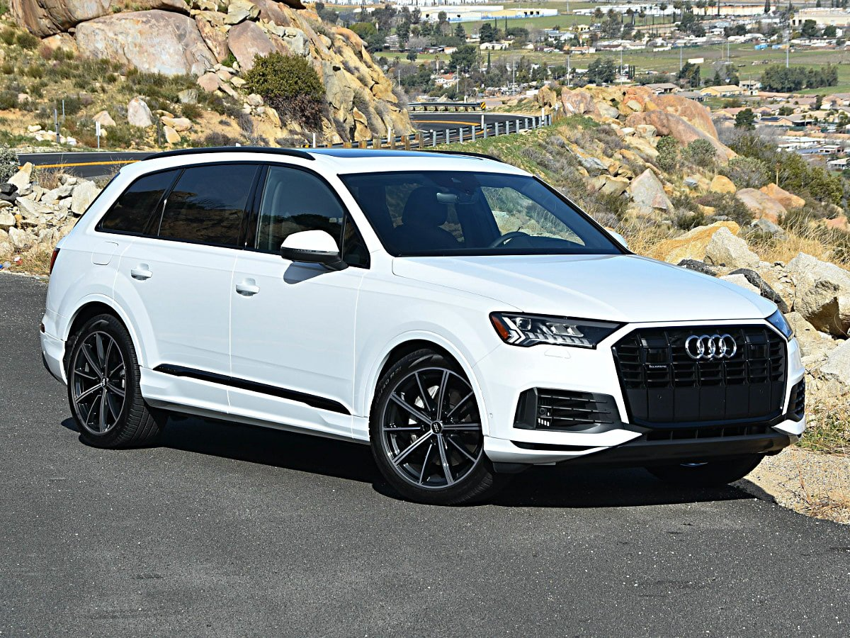 2020 Audi Q7 Premium Plus White and Black Optic Package