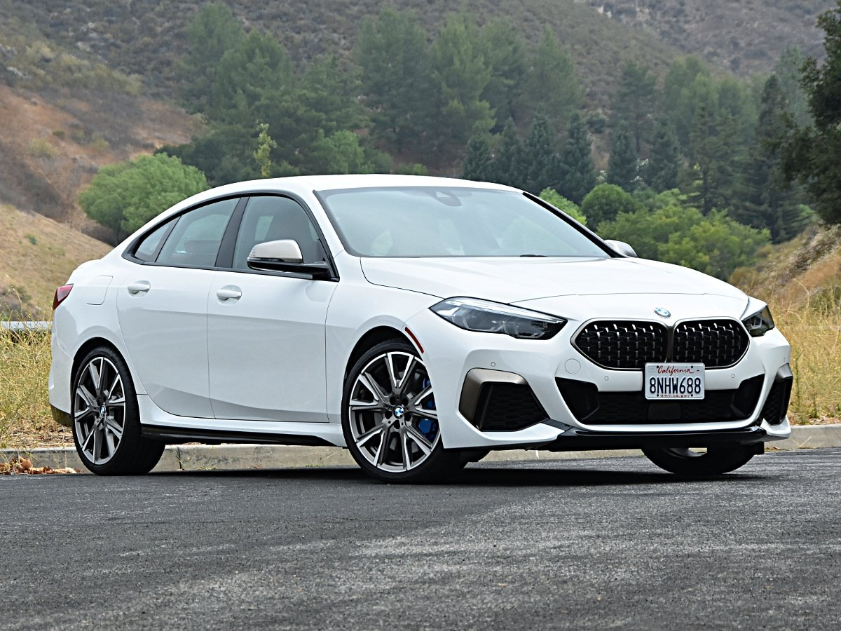 2020 BMW 2 Series Gran Coupe M235i White Front View