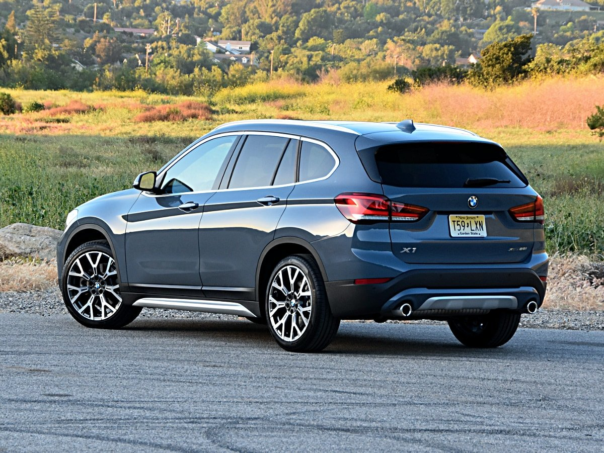 2020 BMW X1 exterior rear side view