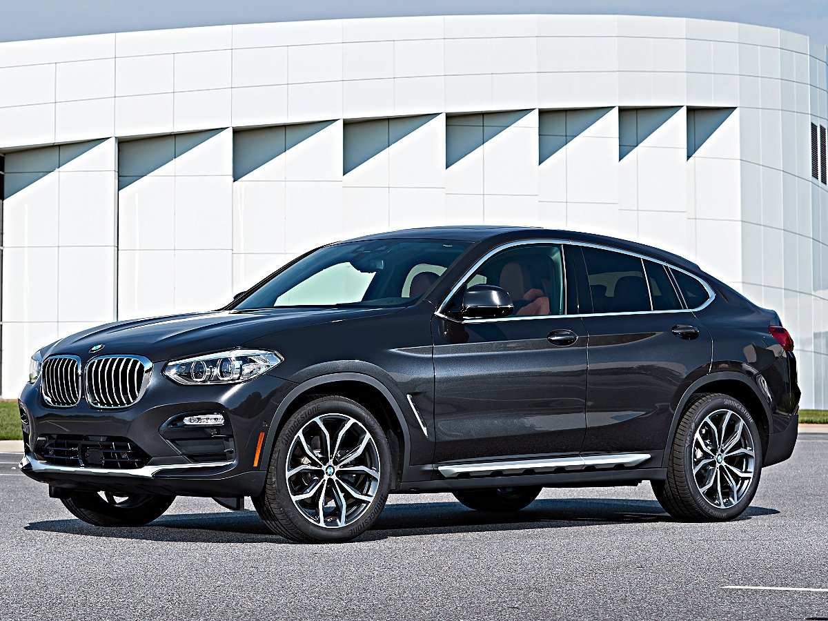2020 BMW X4 Front Quarter View