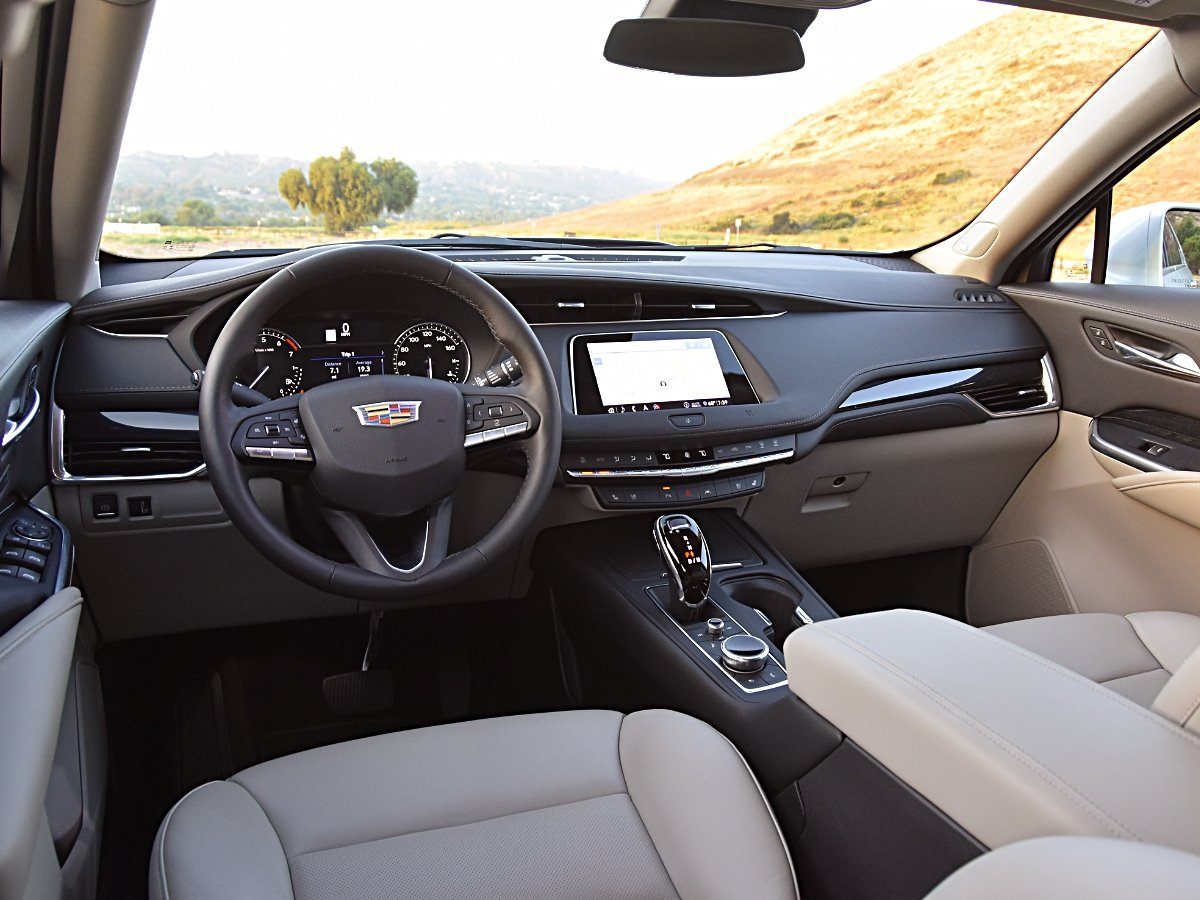 2020 Cadillac XT5 Premium Luxury Gray Interior Dashboard