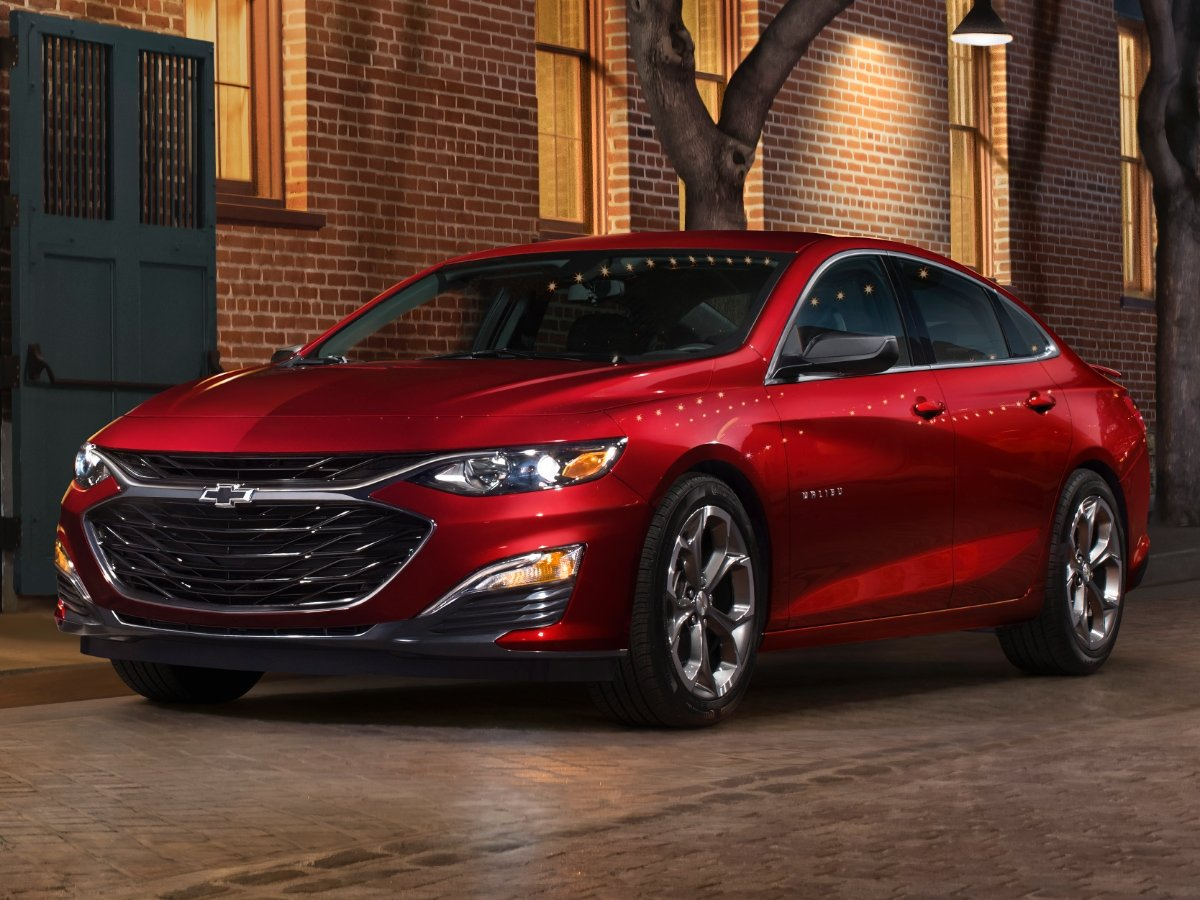 2020 Chevrolet Malibu RS Red Front View