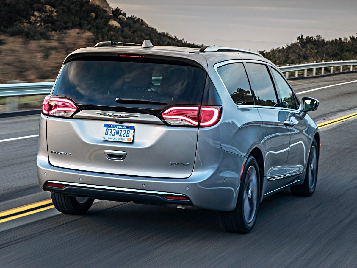 2020 Chrysler Pacifica Limited Rear View