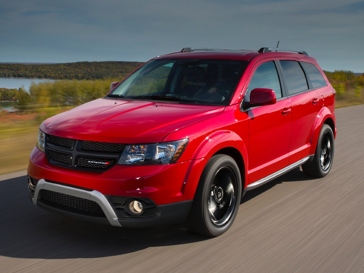 2020 Dodge Journey Crossroad Red Front Quarter View