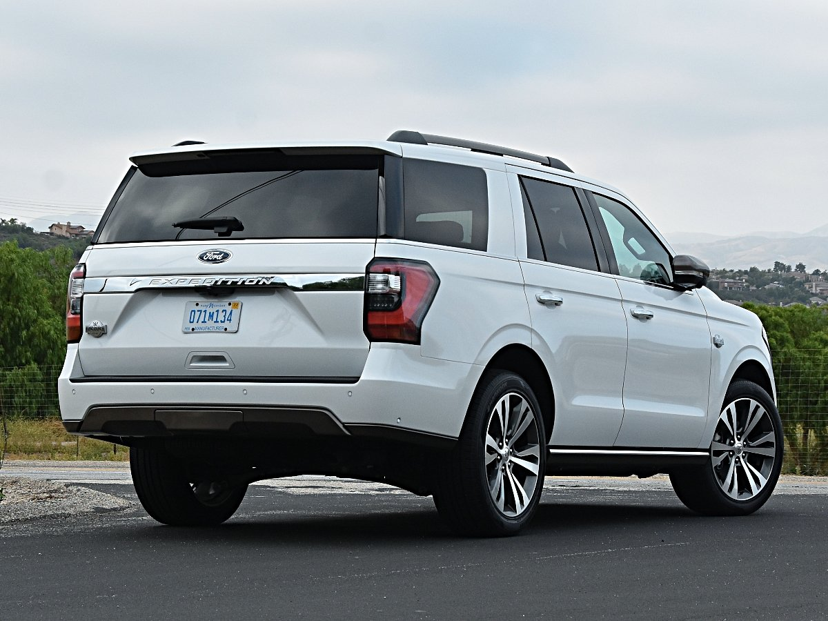 2020 Ford Expedition King Ranch white rear quarter view