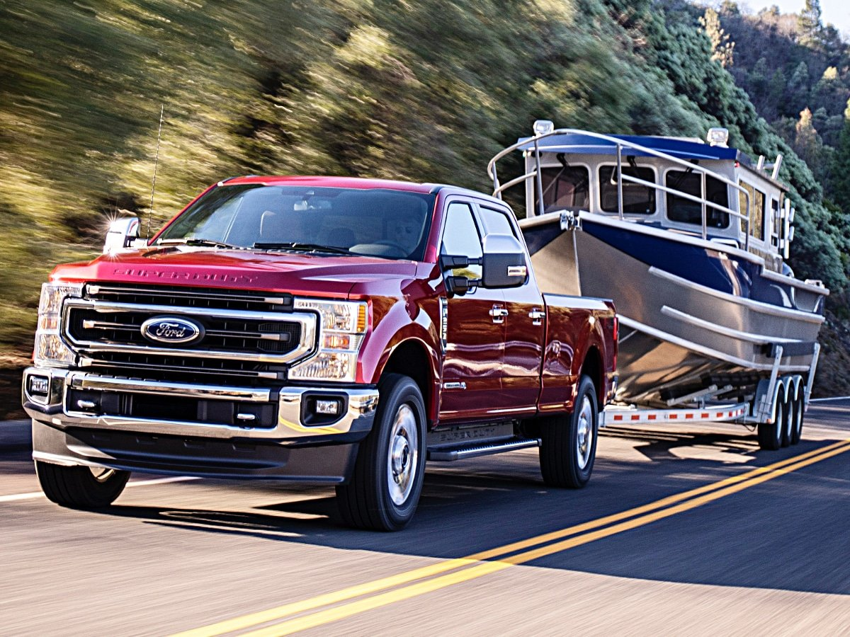 2020 Ford F-250 Super Duty Towing a Boat