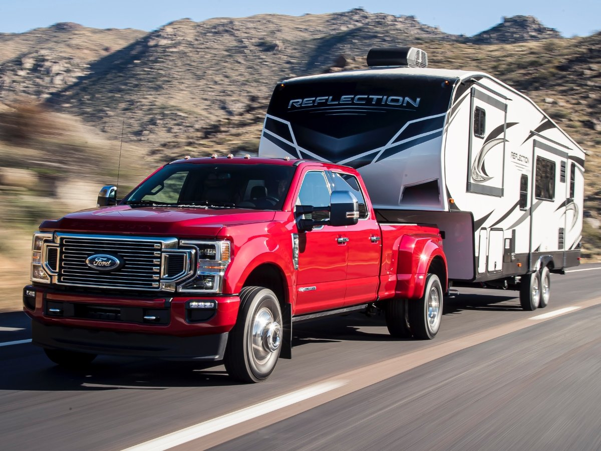 2020 Ford F-350 Crew Cab Dually Towing Fifth Wheel Trailer