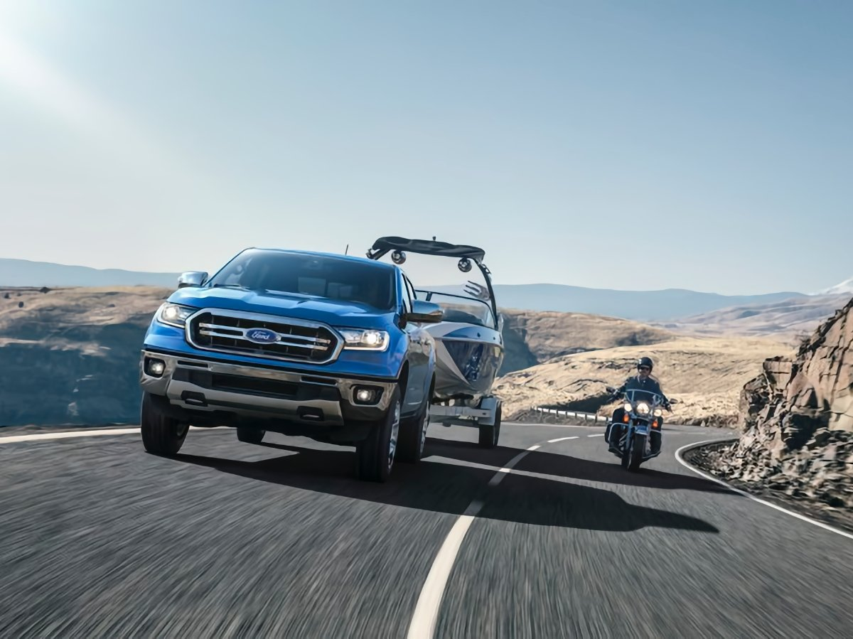 2020 Ford Ranger Towing a Boat