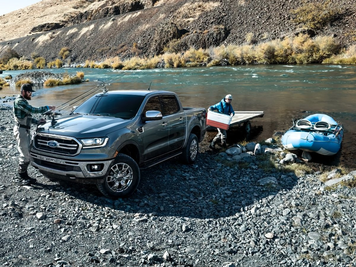 2020 Ford Ranger Towing a Toy