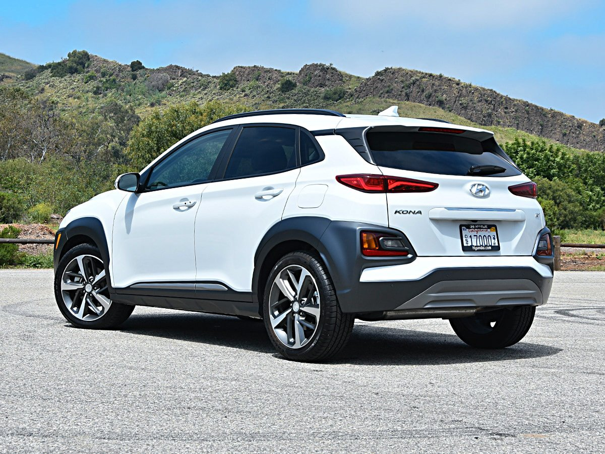 2020 Hyundai Kona exterior view in white