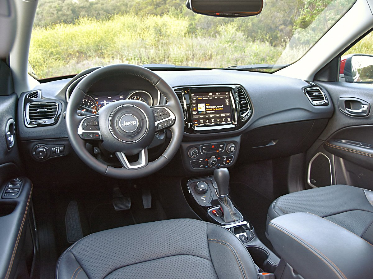 2020 Jeep Compass Limited interior dashboard view