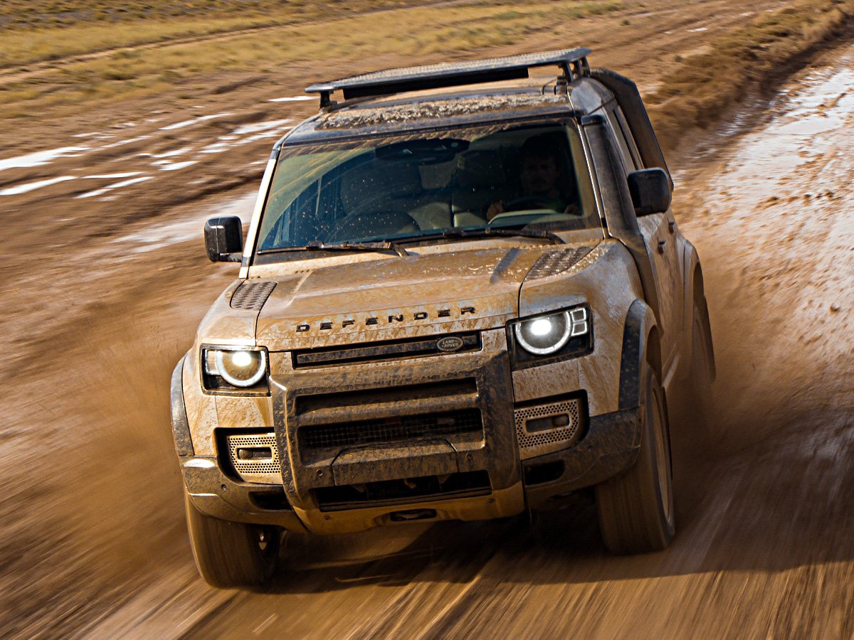 2020 Land Rover Defender 110 Mud Action