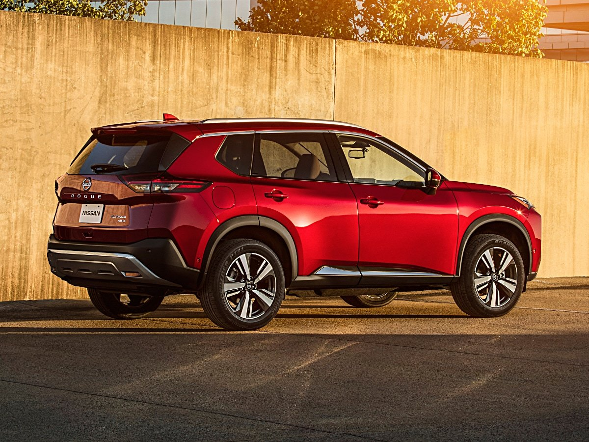 2020 Nissan Rogue Platinum Red Rear View