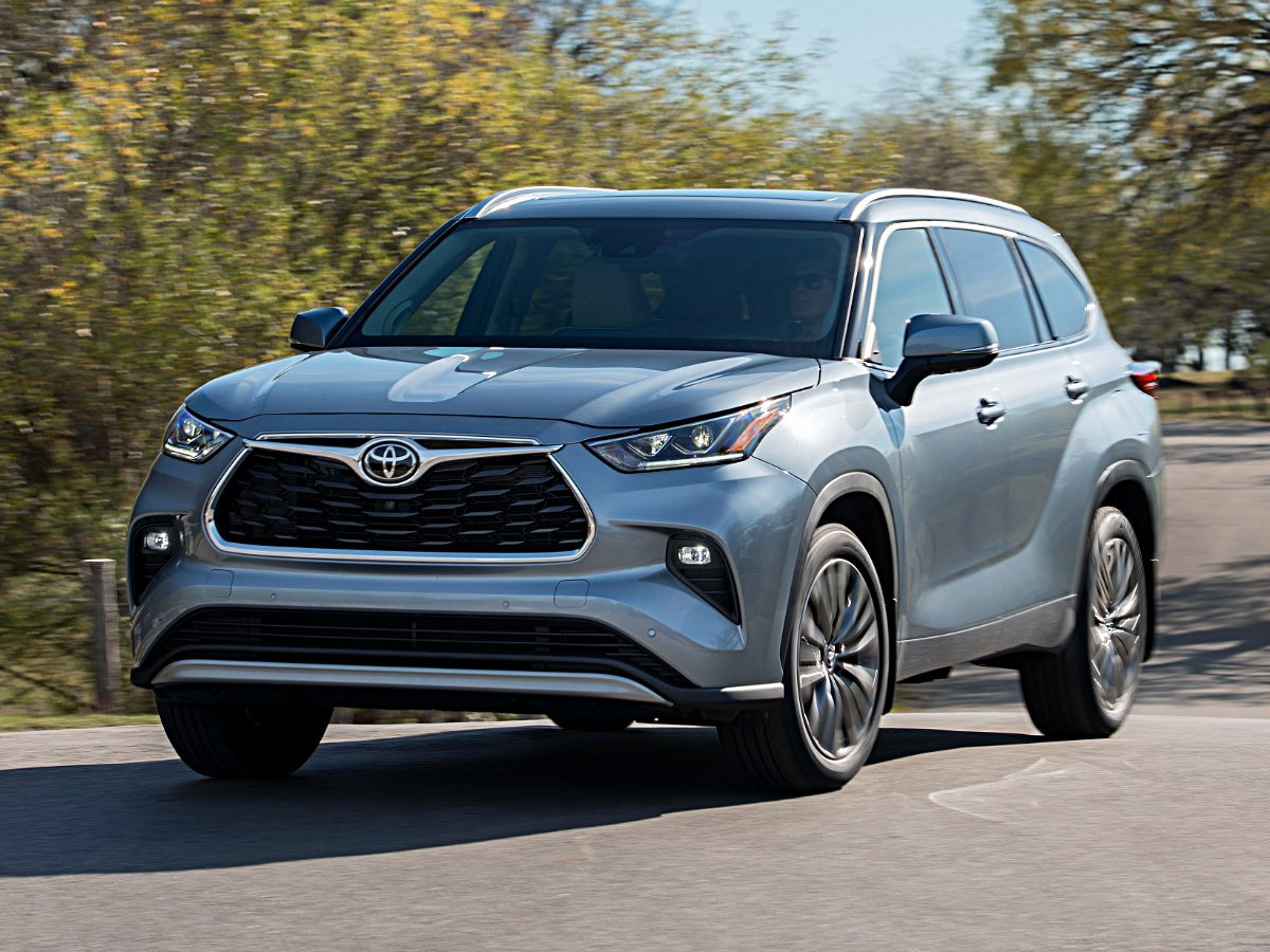 2020 Toyota Highlander Platinum Moon Dust Front View