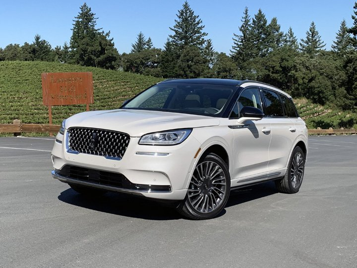 2020 Lincoln Corsair White Front Quarter