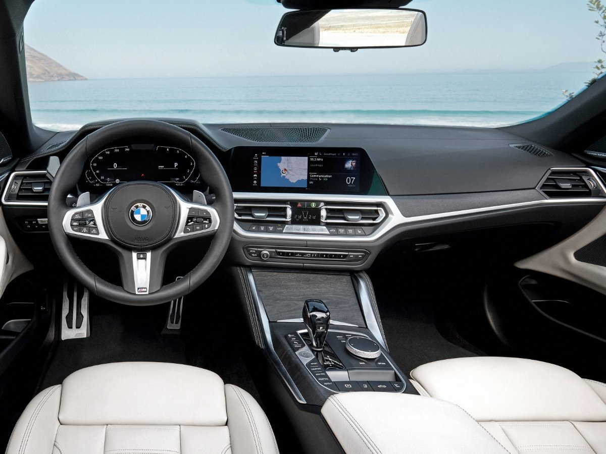 2021 BMW 4 Series Convertible Dashboard Oyster Leather Seats