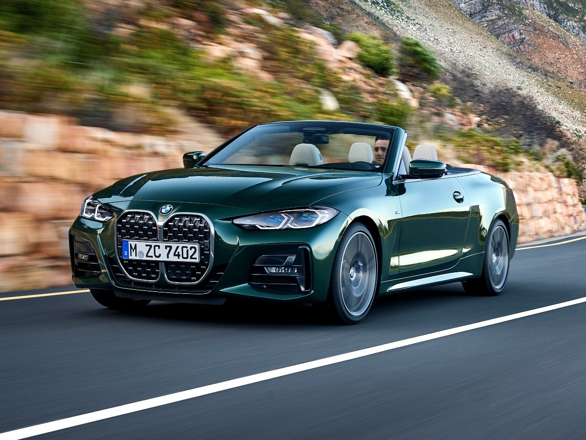 2021 BMW 4 Series Convertible Green Front Quarter View
