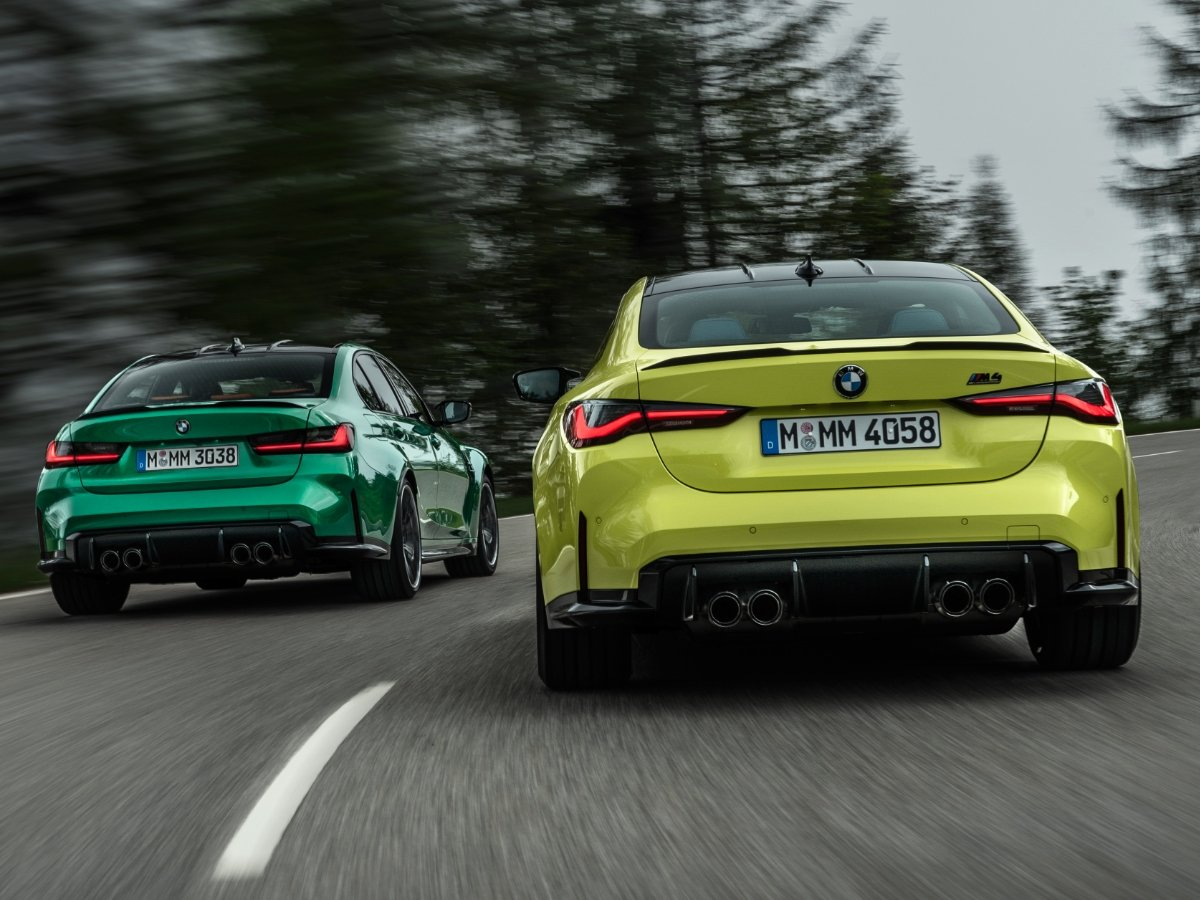 2021 BMW M3 Green and 2021 BMW M4 Yellow Rear View