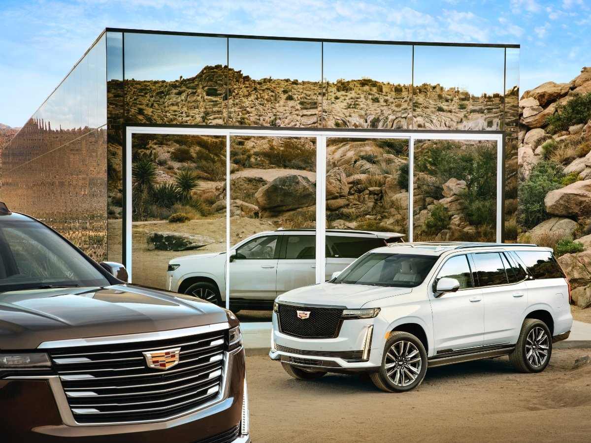2021 Cadillac Escalade shown with Sport Grille and Luxury Grille