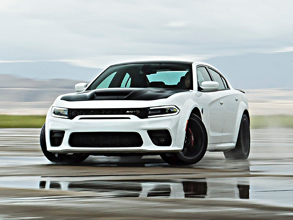 2021 Dodge Charger Srt Hellcat Redeye Widebody Top Speed Exceeds 200 Mph Automotive News J D Power