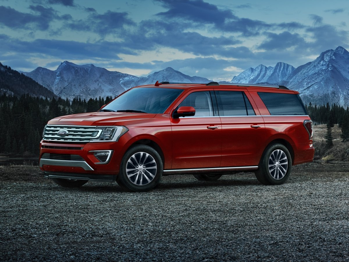 2021 Ford Expedition MAX Front Quarter
