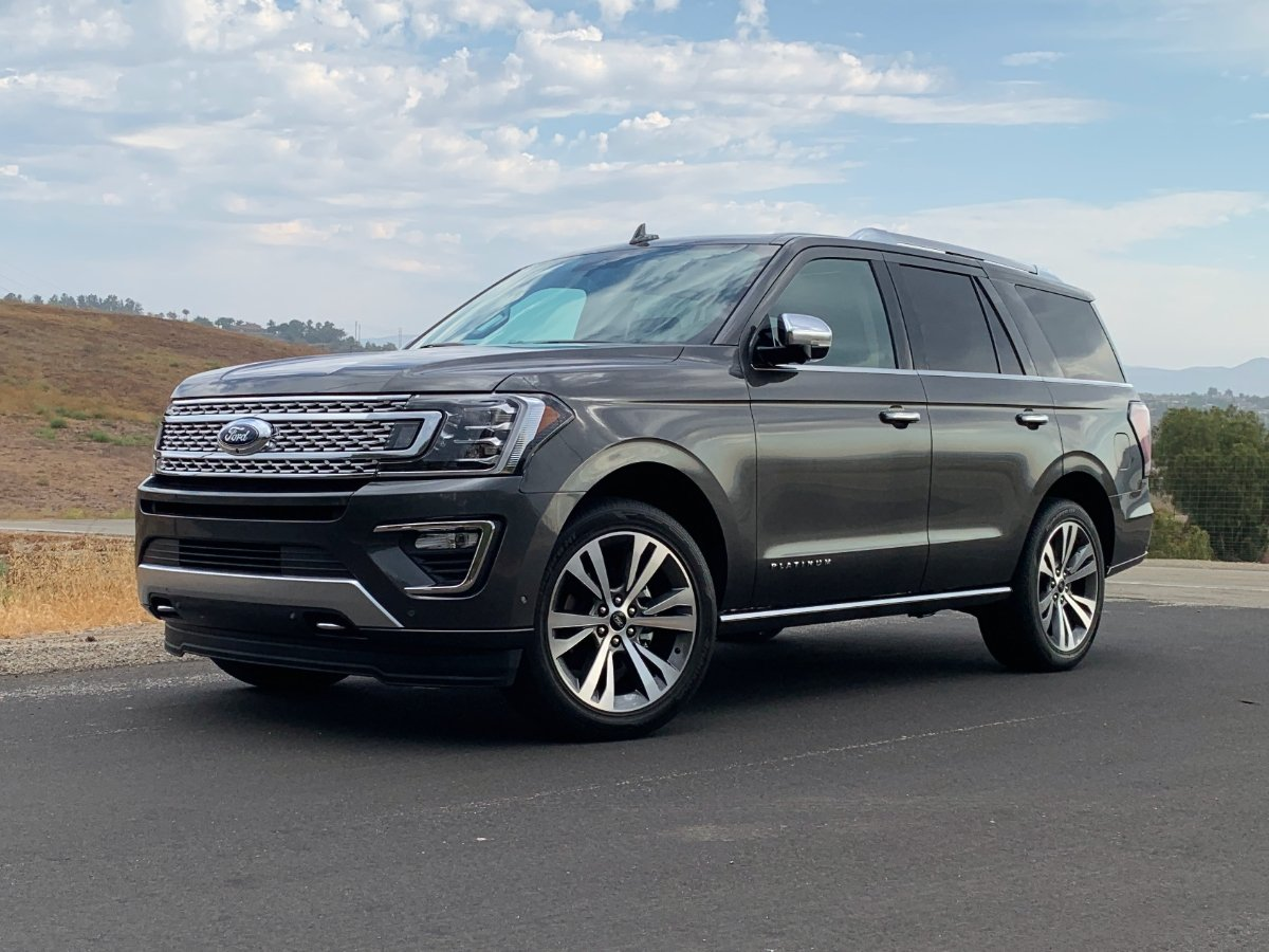 2021 Ford Expedition Platinum Gray Front Quarter View