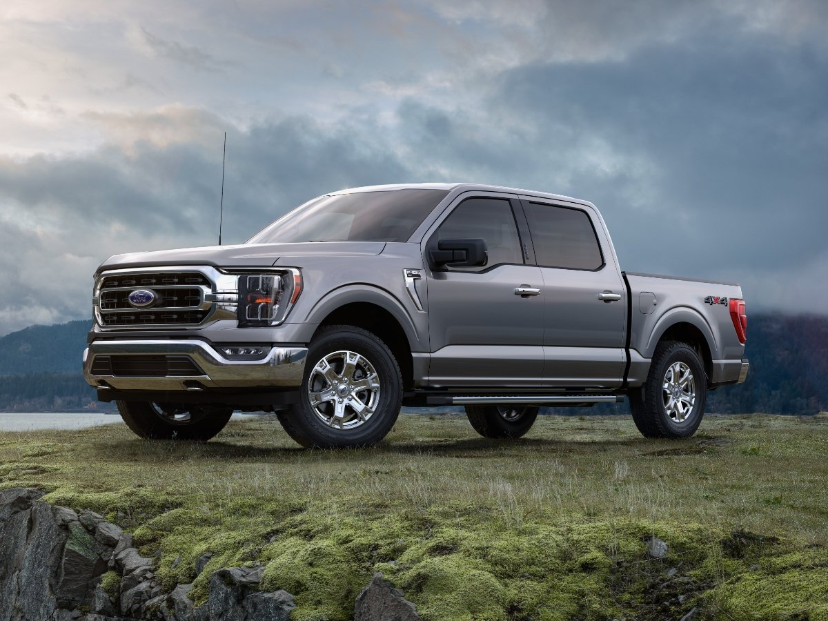 2021 Ford F-150 Platinum Gray Front Quarter View