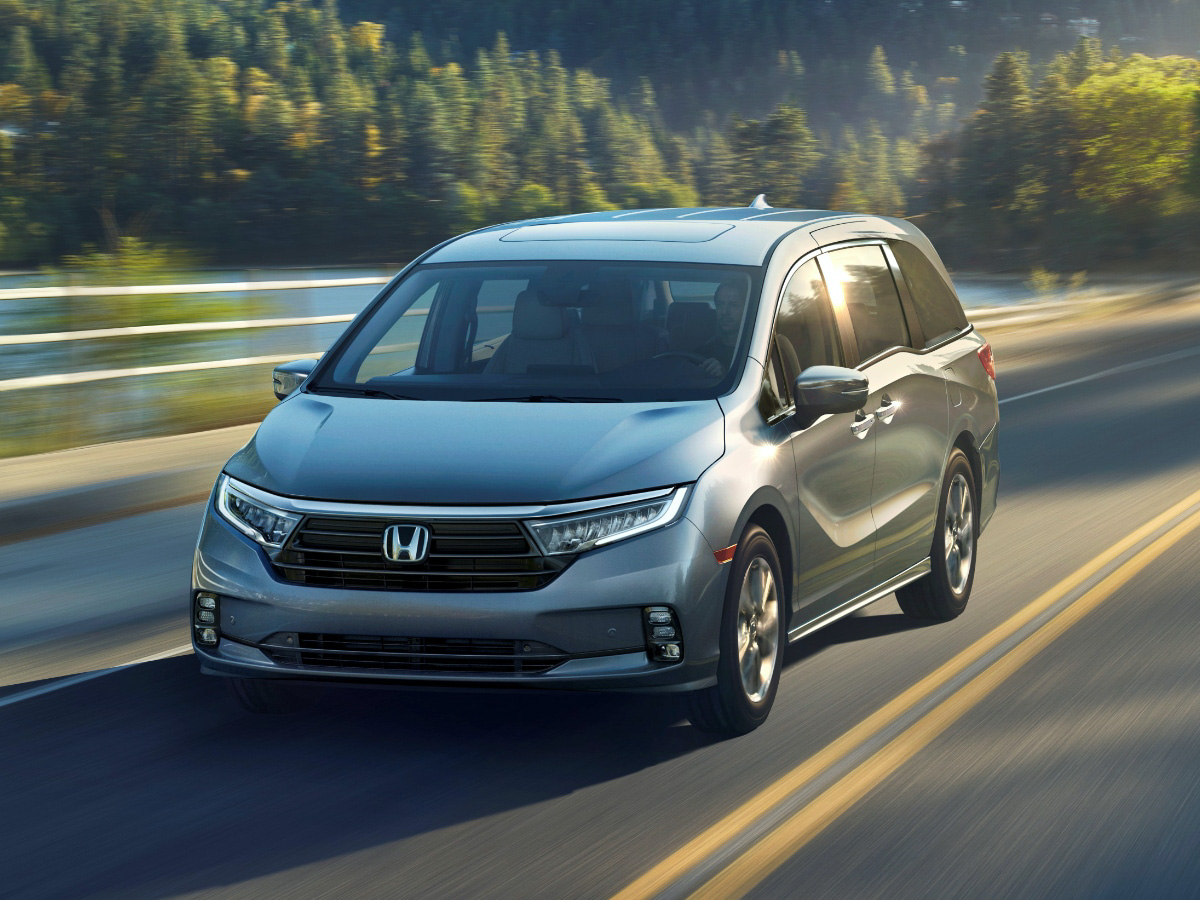 Front view of the 2021 Honda Odyssey