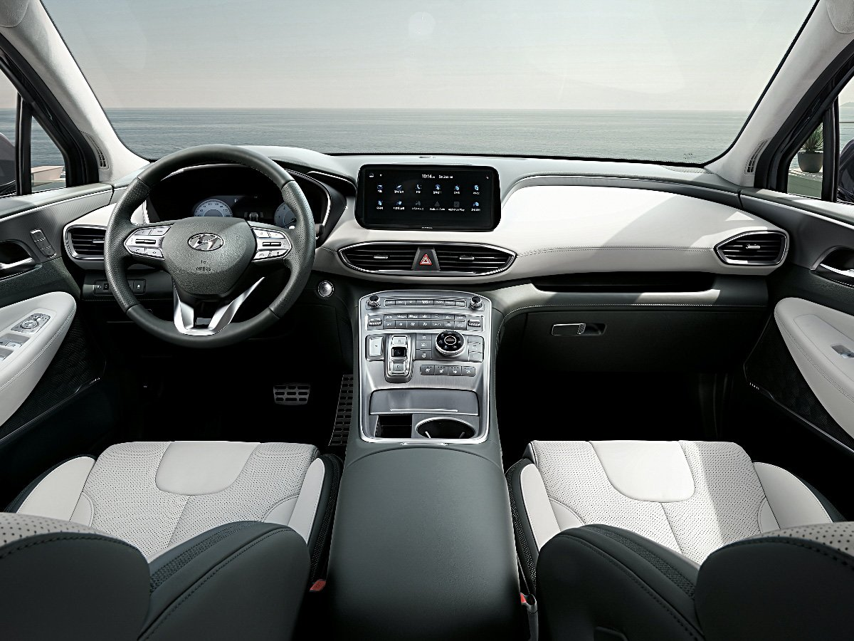 2021 Hyundai Santa Fe dashboard and light gray leather seats