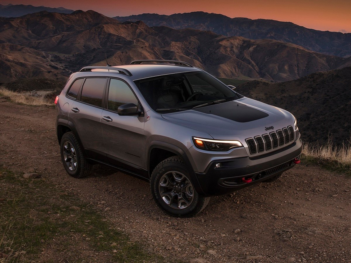 2021 Jeep Cherokee Trailhawk Gray Front Quarter View
