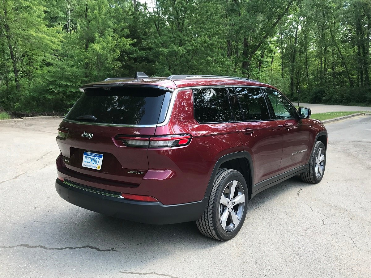 2021 Jeep Grand Cherokee L Limited Red Rear Quarter View