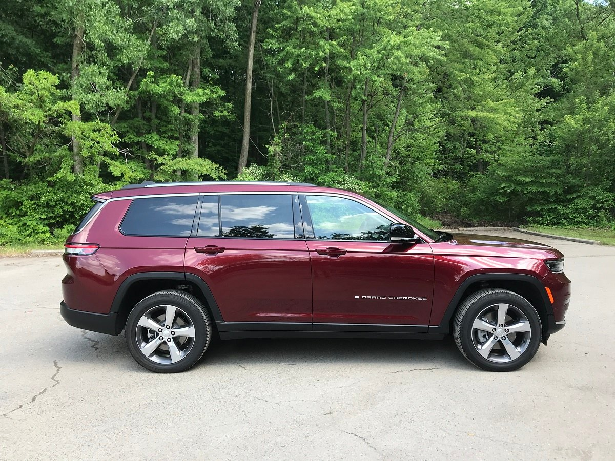 2021 Jeep Grand Cherokee L Limited Red Side View