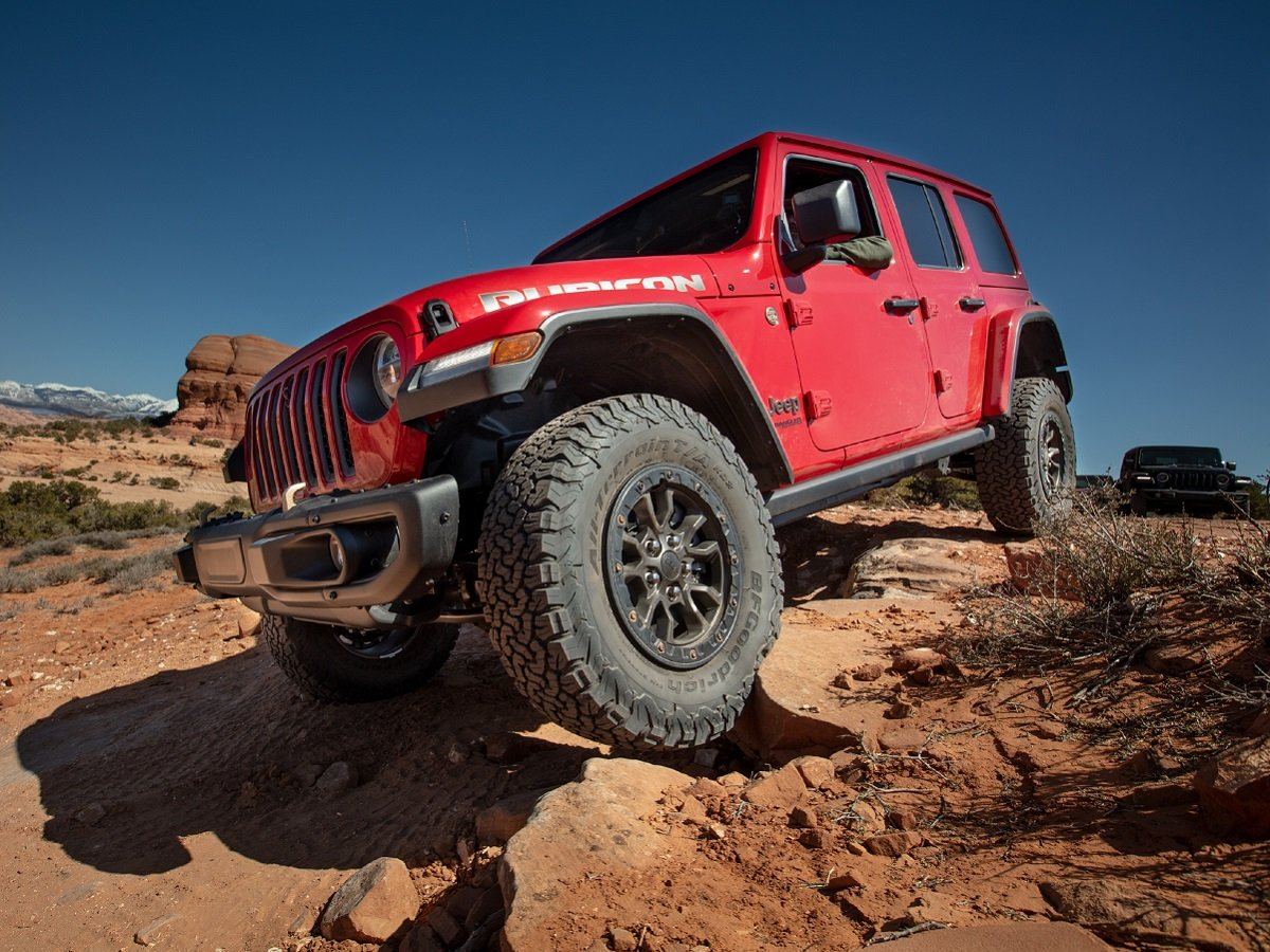 2021 Jeep Wrangler Rubicon 392 Red Front Quarter View