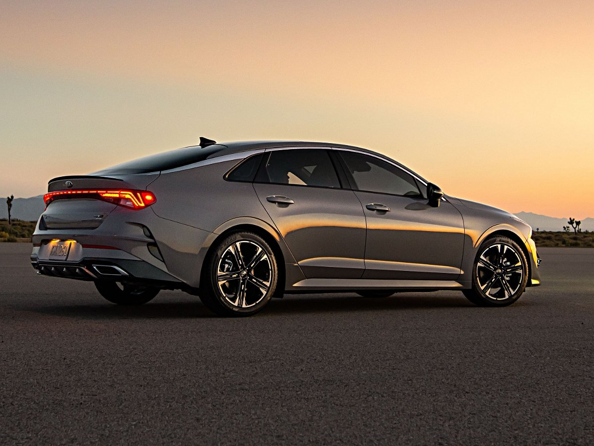 2021 Kia K5 GT-Line AWD rear view