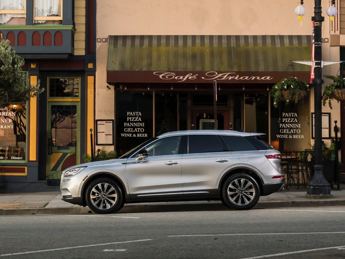 What Cars Park Themselves? These are the 10 Best Self-Parking Cars in 2021