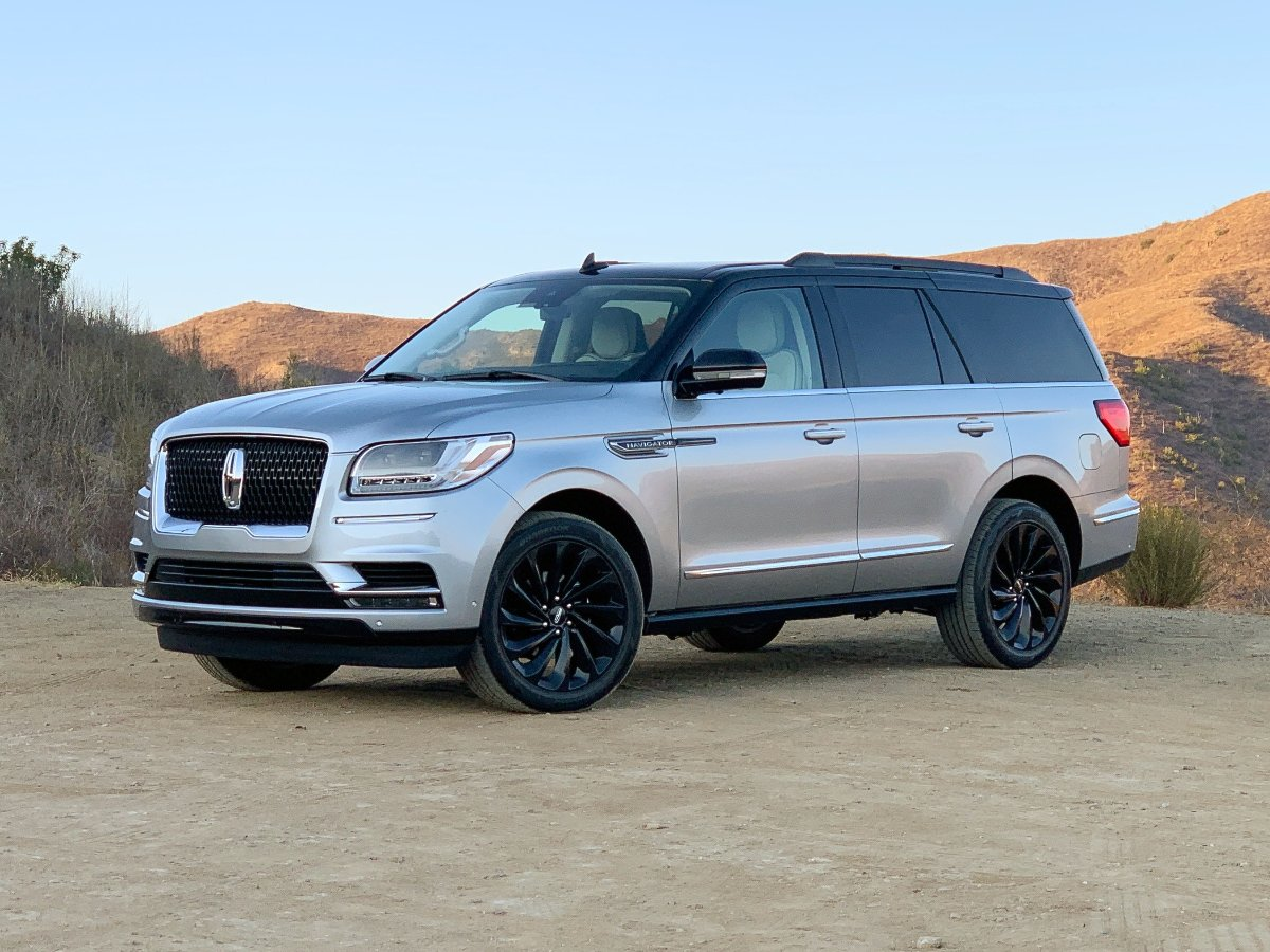 2021 Lincoln Navigator Black Label Special Edition Silver Front Quarter View