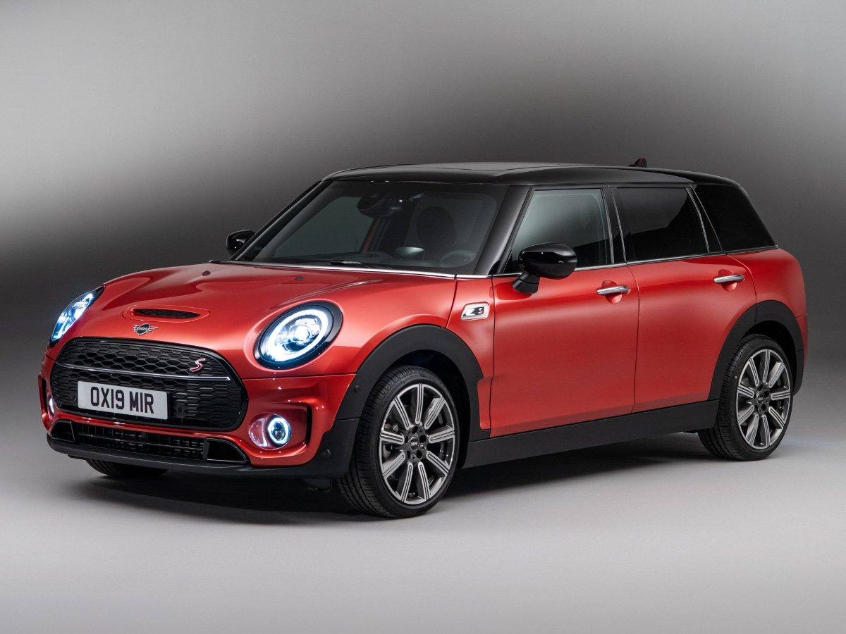 2021 Mini Clubman Orange Front View