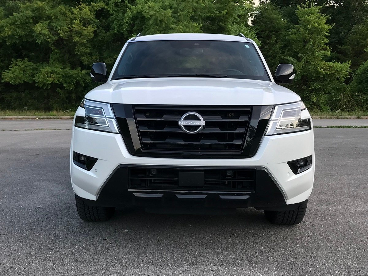 2021 Nissan Armada SL Midnight Edition White Front View