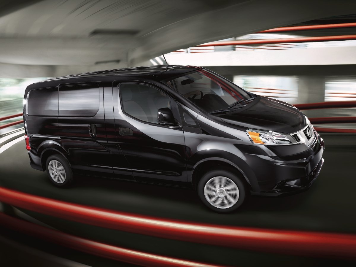 2021 Nissan NV 200 Side View