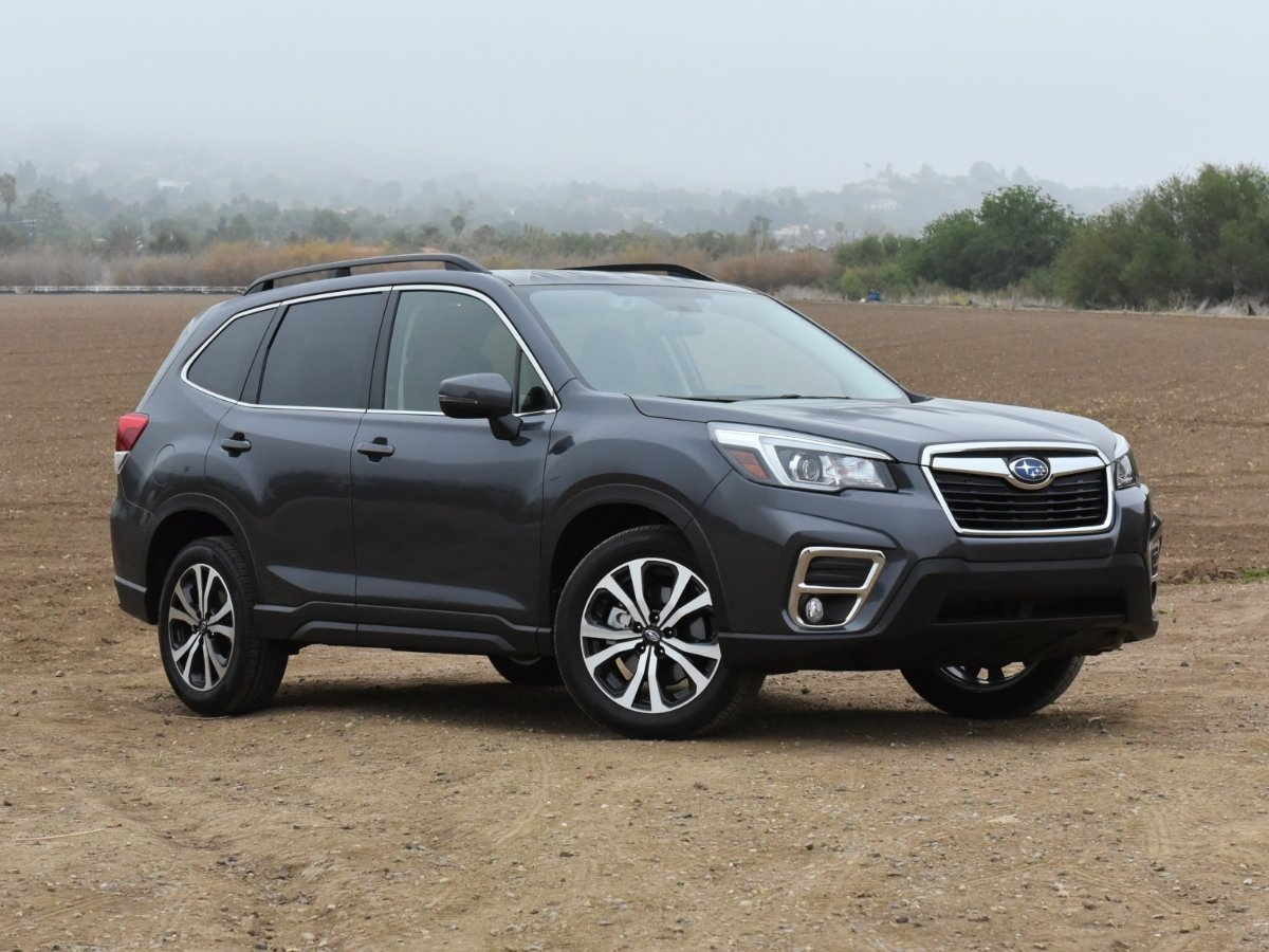 2021 Subaru Forester Limited Gray Front Quarter Right