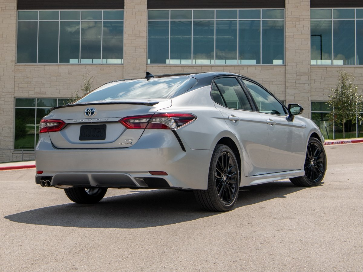 2021 Toyota Camry Hybrid XSE Silver Rear View