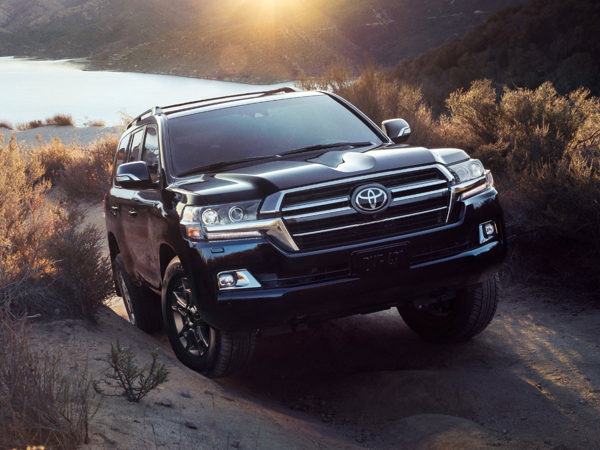 2021 Toyota Land Cruiser Front View