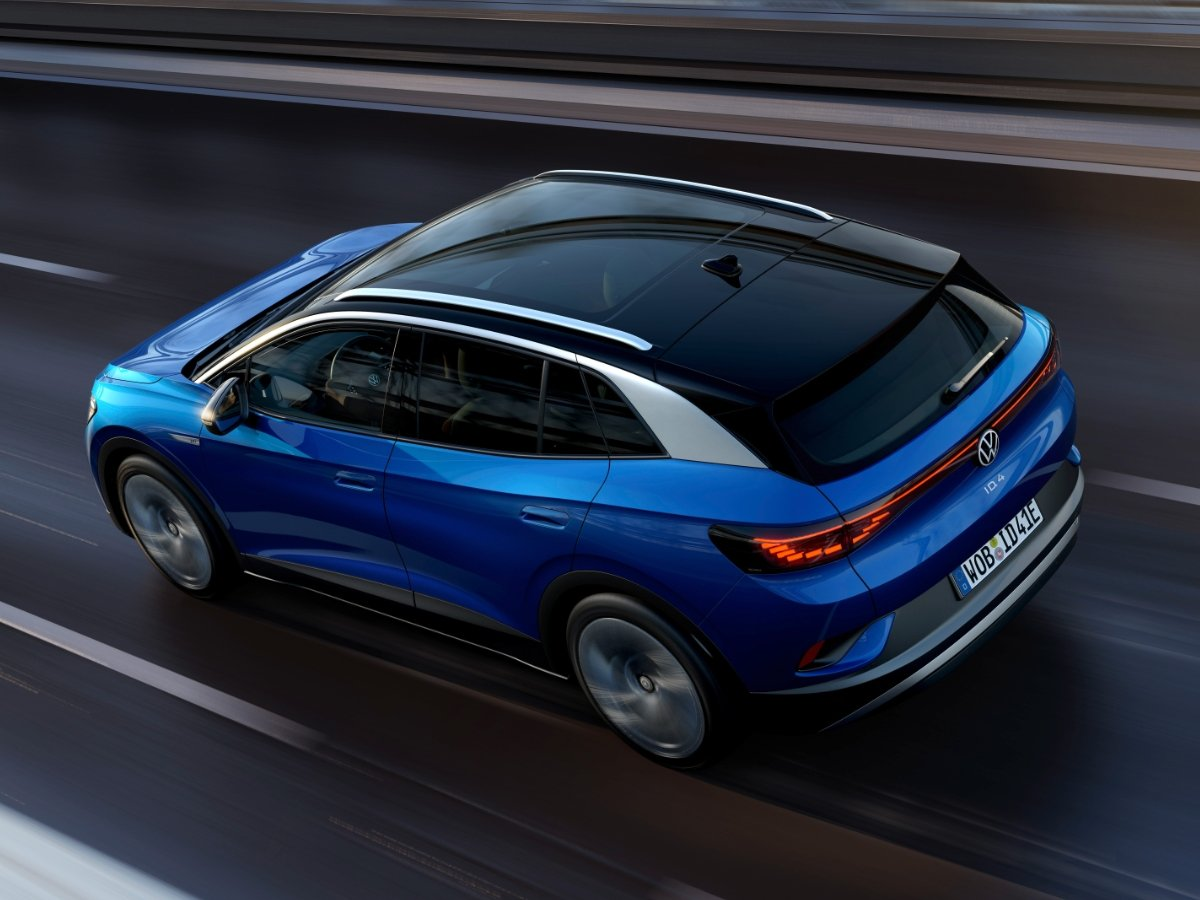 2021 Volkswagen ID4 Blue Rear View and Roof View